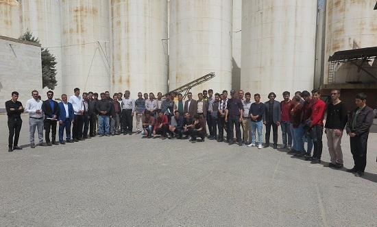 بازدید گروه برق دانشگاه میعاد از شرکت خوراک دام و طیور مهاباد
